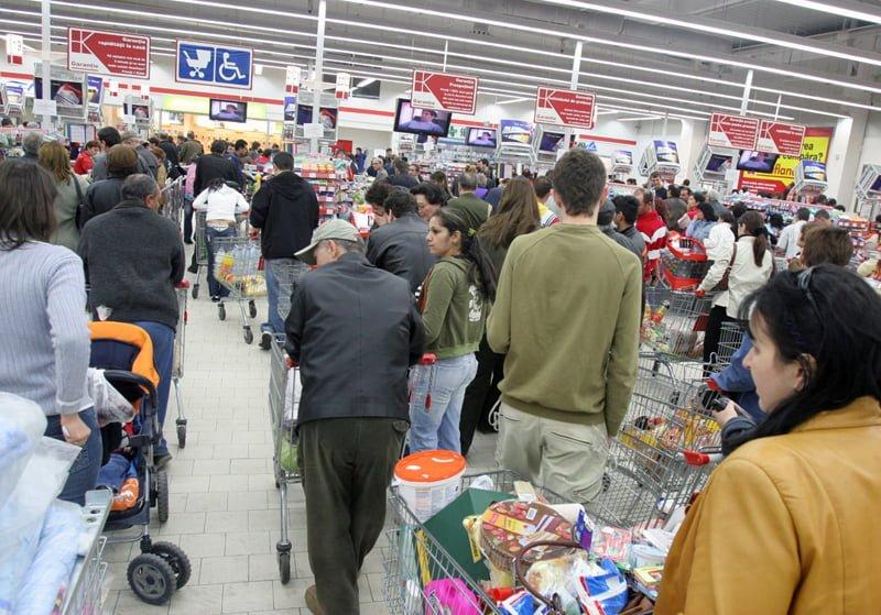 Programul de Paste al supermarketurilor si Arena Mall din Bacau