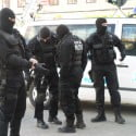 VIDEO: Perchezitii la traficanti de droguri din Targu Ocna si Comanesti. 7 persoane au fost arestate.