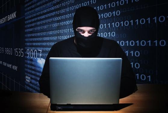Perchezitii in Bacau si in alte 7 judete la o grupare de hackeri. Acestia au facut un prejudiciu de 4,8 milioane de euro