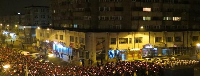 Peste 95.000 de romano-catolici din judetul Bacau au celebrat, in noaptea de sambata, Invierea Domnului