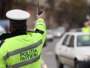 400 de amenzi si 36 de permise retinute, dupa o actiune a politistilor bacauani