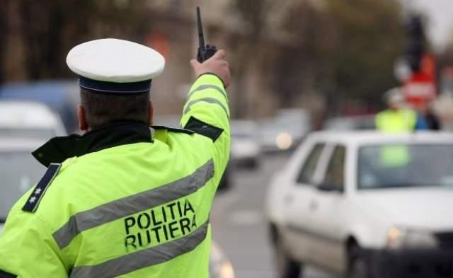 11 politisti de la Biroul Rutier Neamt si alte 53 de persoane, trimise in judecata de DNA Bacau pentru luare, dare de mita si fals intelectual