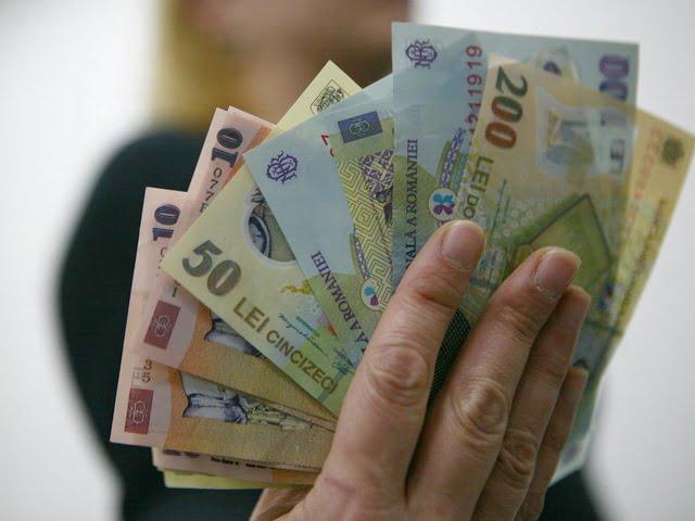 Salariul minim brut crește la 1250 lei. Măsura a intrat în vigoare la 1 mai