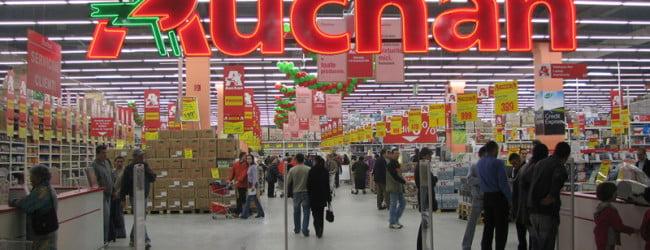 Joi se deschide Auchan