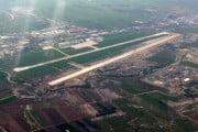 Noua pistă a aeroportului din Iași, inaugurată joi. În primă fază vor fi dați în funcțiune 1800m de pistă