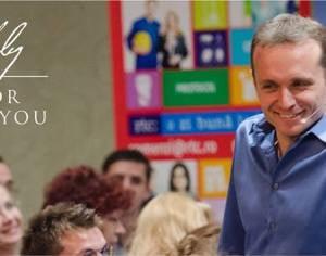 """Expertul Andy Szekely revine în Bacău cu """"Persuasion Elite"""" și """"Speaker Elite"""", două programe de comunicare destinate antreprenorilor"""