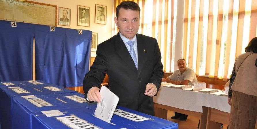 Romeo Stavarache și-a depus candidatura. Biroul Electoral verifică listele cu semnături