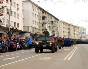 FOTO & VIDEO: Parada in centrul Bacaului cu ocazia Zilei Nationale a Romaniei