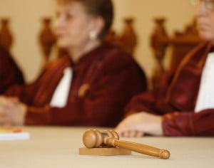 Curtea Constitutionala: Legea pensiilor speciale pentru alesii locali, neconstitutionala