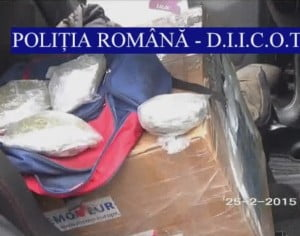 Polițiștii băcăuani au destructurat o rețea de trafic de droguri ce acționa în județele Neamț și Bacău