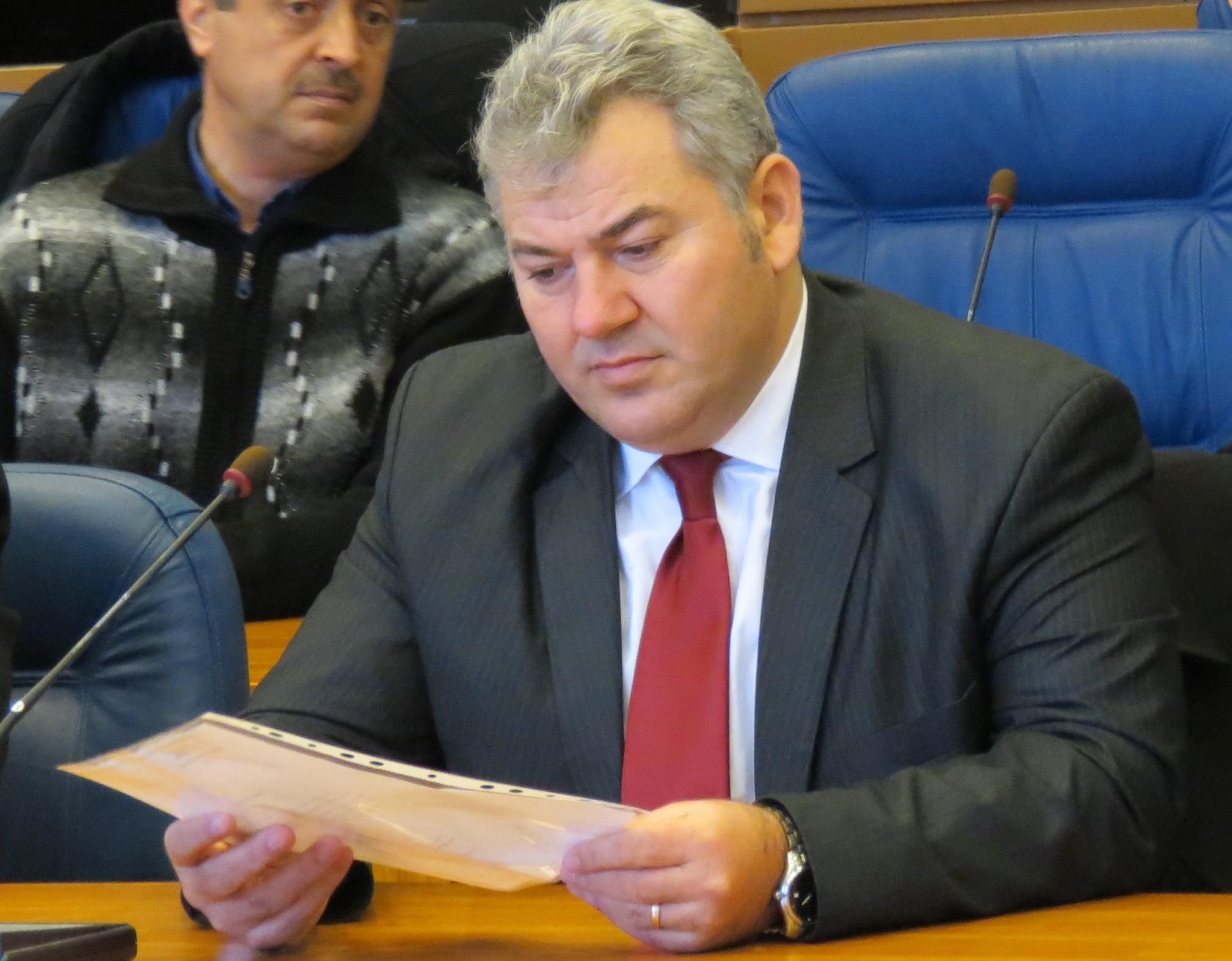 Deputatul Lucian Ciubotaru și medicul legist Marcel Bădără, plasați sub control judiciar de DNA