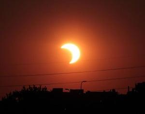 Eclipsă de soare vizibilă din România. Vezi în text cum poate fi privit fenomenul astronomic
