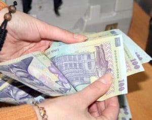 OUG pentru majorari salariale ale personalului nedidactic. 53.000 de oameni vor beneficia de marire