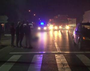 Un motociclist a ajuns la spital dupa ce a intrat intr-o masina