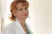 Directoarea DSVSA Bacău, Carleta Bodea, ar fi primit mită 2700 lei de la patronul COPANEX pentru a fi înștiințat de controale