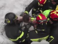 """VIDEO: Imagini incredibile din Italia. Adriana si fiul ei au fost salvati : """"Intraţi, fiica mea e acolo!"""""""