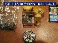 FOTO: Traficanti de droguri, retinuti de DIICOT Bacau